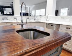Redesigning Your Kitchen Area: Choosing Your New Kitchen Counter Tops – Outdoor Kitchen Designs Outdoor Kitchen Countertops, Kitchen Countertop Materials, Wood Countertops, Kitchen Tiles, Walnut Countertop, Painting Countertops, Countertop Options, Wood Backsplash, Kitchen Counters