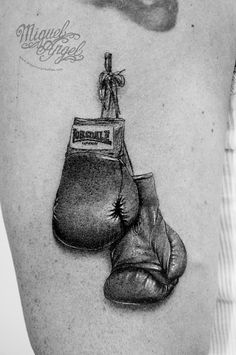 Lonsdale© boxing gloves tattoo