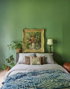Vintage Bedroom bright green bedroom with gold-framed painting sitting on headboard - A design-obsessed couple shares the story behind their two-year-long labor of love Bedroom Vintage, Green Rooms, Vintage Bedroom Decor, Bedroom Colors, Bedroom Green, Bedroom Paint, Green Bedroom Design, Bedroom Storage, Home Decor