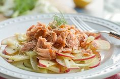 Try this refreshing summer salad made from our 16 oz. smoked Alaska sockeye salmon, crisp sliced apples, lemon juice and olive oil drizzle on crisp romain, arugula or bok choi. Alaska Seafood, Smoked Salmon Recipes, Sockeye Salmon, Fennel Salad, Smoked Turkey, Salmon Fillets, How To Make Salad, Healthy Nutrition, Healthy Gourmet
