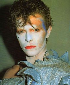 My mom hates this look for some reason but I love it #DavidBowie