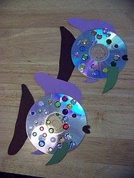CUTE KID CRAFT: turn old scratched up CD's into art! Love these little fishies!!