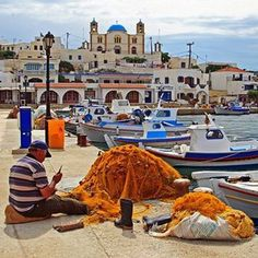 Harbor with fisherman, boats and church. Island of Lipsi, Dodecanese, Greece Places Around The World, Oh The Places You'll Go, Zorba The Greek, Santorini Villas, Myconos, Greece Honeymoon, Karpathos, Paradise On Earth, Greek Islands