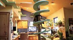 Um homem que transformou a própria casa em um paraíso para gatos - http://epoca.globo.com/colunas-e-blogs/bombou-na-web/noticia/2015/01/um-homem-que-transformou-sua-casa-em-um-bparaiso-para-gatosb.html
