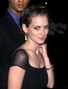 Young Winona Ryder (1902×2500)