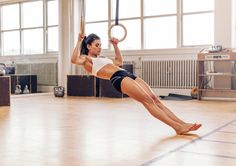 Has your quest for a toned stomach halted?The secret weapon for a killer abs workout program: Gymnast ringsFor your next abs workout program, look no further than the … Ab Core Workout, Ab Workouts, Body Fitness, Fitness Tips, Fitness Motivation, Health Fitness, Video Fitness, Fitness Photos, Women's Health