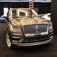 2018 Lincoln Navigator on Forgiatos from Galpin Auto Sports Lincoln Motor Company, Ford Motor Company, Top Luxury Cars, Luxury Suv, 2018 Lincoln Navigator, Lincoln Suv, Moto Design, Buick Envision, Best Suv