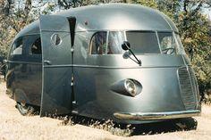 Camper anno 1937... futuristico e vintage.