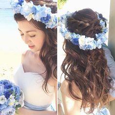 爽やかなブルーで統一したご新婦さまのビーチスタイル ダウンスタイルにもさりげなく三つ編みを作りバックスタイルに遊びをプラス #hawaii#hairmake#hairarrange#makeup#weddinghair#hawaiihairmake#weddingphoto#photoshooting#TerraceByTheSea#TheTerraceByTheSea#53ByTheSea#TAKAMIBRIDAL#テラスバイザシー#タカミブライダル#ハワイウェディング#ハワイヘアメイク#ウェディングヘア#ヘアメイク#ヘアスタイル#ヘアセット#ヘアアレンジ#花嫁#プレ花嫁#オシャレ花嫁#ウェディング#美容師#花かんむり#サッシュベルト#ビーチ