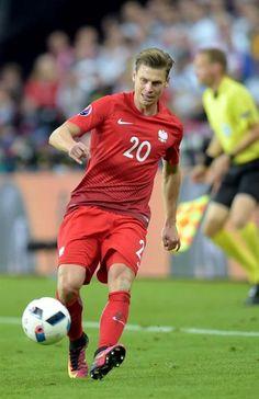 Łukasz Piszczek-Poland Love Me Like, Football Players, Athletes, Poland, Euro, Soccer, Entertainment, Hairstyles, Running