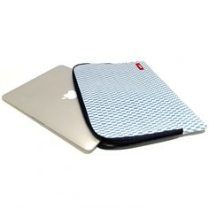 Bakker 13-inch sleeve wit/blauw  SHOP ONLINE: http://www.purelifestyle.be/shop/view/technology/macbook-beschermhoezen/bakker-13-inch-sleeve-wit-blauw