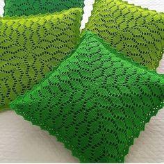 Ideas For Crochet Scarf Stitches Simple Crochet Leaf Patterns, Crochet Leaves, Crochet Motif, Crochet Designs, Crochet Stitches, Knit Crochet, Knitting Patterns, Crochet Pillow Cases, Crochet Cushion Cover