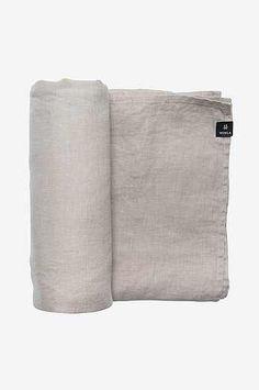 Himla - Bordstextilier hos Ellos till bra priser. Välj bland olika bordstextilier såsom dukar och löpare i härliga färger och material. Shoppa online hos Ellos.se!