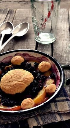 Peaches, plums and blueberries cobbler