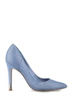 Babbitt Perforated Leather Pumps   GUESS.ca