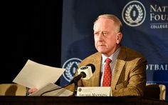 Archie Manning to receive NFF's Gold Medal award = Archie Manning will receive the National Football Foundation's Gold Medal at the organization's 59th annual awards dinner on Dec. 6 in New York.....