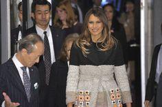 Melania Trump vuelve a arrasar con un abrigo caro, así es éste de Fendi de más de 4.000 euros