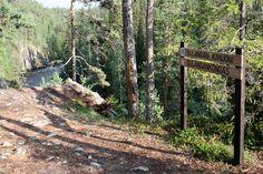 Oulangan kanjonin päiväreitti, 6 km, vie ihastelemaan maisemia jyrkkäseinäiselle kalliorotkolle.