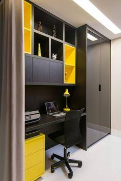 Apartamento Jardim Apipema: Escritórios por Escritório de Arquitetura e Interiores Janete Chaoui #interiorescasasmadera