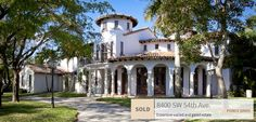 Just Sold: 8400 SW 54th Avenue – a beautiful estate was the first home to sell in Ponce Davis this year. LIR Agent JJ Snow Hansen looked after every detail to ensure that potential buyers could see the value in the home. JJ's clients remodeled parts of the house when they first moved to highlight the homes distinct features. Learn more on our Blog: http://lowellinternationalrealty.com/…/just-sold-8400-sw-5…/