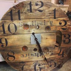 Upcycled wall clock from a cable wire spool. Restoration Hardware look… Wooden Cable Reel, Wooden Cable Spools, Wood Spool, Wire Spool Tables, Cable Spool Tables, Cable Drum, Cable Wire, Pallet Clock, Spool Crafts