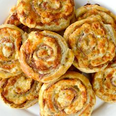 Deliciously elegant, golden, Cheesy French Pinwheels just may be one of the easiest appetizers you'll whip up in your kitchen! Easiest Appetizers, Appetizer Recipes, Snack Recipes, Pinwheel Appetizers, Delicious Appetizers, Bread Recipes, Cooking Recipes, Yummy Food, Tortilla Rolls