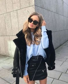 accessories street style of Black Hair Black Fur Jacket + Sweater Fashion Mode, Look Fashion, Winter Fashion, Womens Fashion, Fashion Trends, Denim Fashion, Fashion Styles, Fashion Ideas, Girl Fashion