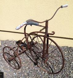 Vintage Tricycle! I want one of these
