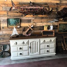 Just in @uniquefindstarpon !!! Lots of great new items hit the floor yesterday. Come see for yourself! #uniquefinds #tarponsprings #vintage #salvage #antique #farmhouse #farmhousestyle #paintedfurniture #dixiebellepaint #dropcloth #refreshed #refab #coastaldecor #palletwall #fish #sailing    #Regram via @uniquefindstarpon)