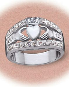 I love this ring!  Would be a great 25 th wedding anniversary gift.