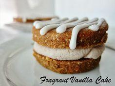 Fragrant Vanilla Cake: Raw Pumpkin Cookies with Maple Cinnamon Cream