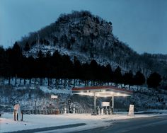 Cemetery  (from Sleeping by the Mississippi). Alec Soth