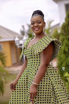 Latest ankara long gown styles 25 most fashionable Ankara long gown styles you should try. Ankara Long Gown Styles, Short African Dresses, Latest African Fashion Dresses, African Print Dresses, African Print Fashion, Africa Fashion, Ankara Styles, South African Traditional Dresses, Shweshwe Dresses