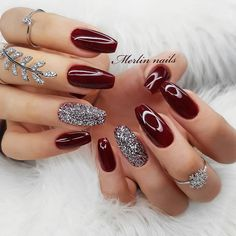 Accent nails: punch your mani in 10 easy ways - burgundy nails with . - Accent nails: punch your mani in 10 easy ways – burgundy nails with glitter accent - Sexy Nail Art, Sexy Nails, Trendy Nail Art, Sparkly Nails, Prom Nails, Glitter Nails, Wedding Nails, Dark Nails With Glitter, Glitter Lipstick