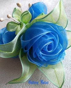 Wonderful Ribbon Embroidery Flowers by Hand Ideas. Enchanting Ribbon Embroidery Flowers by Hand Ideas. Paper Flowers Roses, Cloth Flowers, Diy Flowers, Fabric Flowers, Organza Flowers, Ribbon Art, Diy Ribbon, Ribbon Crafts, Flower Crafts