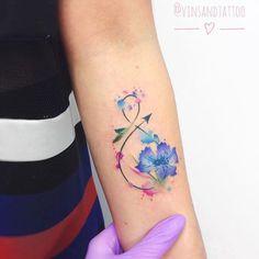 Signo Infinito y Flores - Tatuajes para Mujeres. Encuentra esta muchas ideas mas de Tattoos. Miles de imágenes y fotos día a día. Seguinos en Facebook.com/TatuajesParaMujeres!