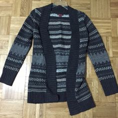 Gray cardigan This is a really nice cardigan, and it's super warm. It's I. Great condition since it was hardly worn. Offers are welcome Merona Sweaters Cardigans