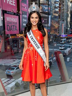 From Hollywood to New York and everywhere in between, see what your favorite stars are up to! Beautiful Inside And Out, Most Beautiful Women, Miss Universe Philippines, Miss Pageant, Miss Universe 2015, Beauty Contest, Star Track, Miss World, Queen