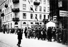 Zelezny Street; Jews being moved to the Warsaw ghetto, September-October 1940. The Warsaw Ghetto was sealed on the 16th of November 1940