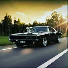 1968 Dodge Charger - Autopistas y carreteras & Roads and Interstates Hwys - cars classic Dodge Charger 1968, Charger Rt, Dodge Muscle Cars, Us Cars, Sport Cars, Muscle Cars Vintage, American Muscle Cars, Amazing Cars, Mopar