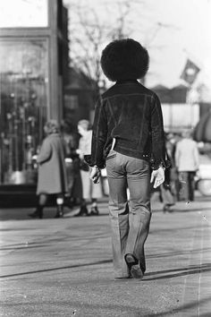 Robert Whitman was asked to take some promotional pictures of an unknown Minneapolis musician, Prince Rogers Nelson. They ended up being the first documents of one of pop music's true geniuses Old Prince, Young Prince, Baby Prince, Afro, Prince And Mayte, Pictures Of Prince, Prince Images, Caroline Forbes, Roger Nelson