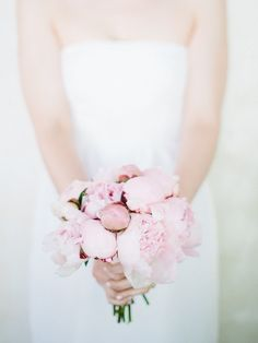 Photography : Lucy Cuneo | Floral Design : Celebrated Flower Read More on SMP: http://www.stylemepretty.com/massachusetts-weddings/boston/2015/01/02/sunday-brunch-wedding-in-cambridge/