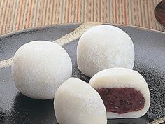 Recetas Japonesas: Dorayaki - Recetas y Cocina Asian Desserts, Asian Recipes, Sweet Recipes, Japanese Sweets, Japanese Food, Anko, Desserts Japonais, Korean Food, Desert Recipes