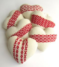 handwoven hanging valentine heart ornaments, by victoria gertenbach. I have lots of red/white left-over handwoven fabric. Cross Stitch Embroidery, Embroidery Patterns, Swedish Embroidery, Swedish Weaving, Cross Stitch Heart, Weaving Projects, Hanging Hearts, Heart Ornament, Hand Art