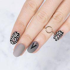 "Mani #4! "" Nails speak louder than words!""⠀ ⠀ Plates - Artist 28 // Trend Hunter 19/20⠀ Polishes - Black Knight // White Knight // Falcon // Cloudy Day // In the Nude // Ladygold Pink⠀ ⠀ #MYL #moyoulondon ⠀⠀⠀⠀⠀ ⠀⠀⠀⠀ #cutenails #animalprint #winternails #notd #nailsoftheday #nailart #naillove #ignails #elegantnails #instanails #nailsofinstagram #bbloggers #nailfashion #holidaynails #fashion2017 #stampingnailart #christmasnails #festivenails #aw2017"