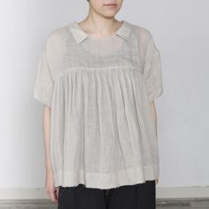 Keira - CLOTHINGShirts & Blouses - Envelope is a unique online shopping mall made up of a few independent shops from all around Japan. Mom Outfits, Casual Outfits, Online Shopping Clothes, Shopping Mall, Ethenic Wear, Boho Fashion, Fashion Outfits, Fashion Capsule, Plus Size Blouses