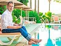 Financial guru or the luckiest guy on earth? South African millionaire traveler in a tell all tale of his way to success!