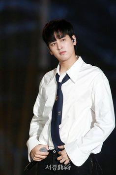 Chanwoo Ikon, Kim Hanbin, Yg Entertainment, Yg Groups, Bobby, Ikon News, Ikon Member, Winner Ikon, Jay Song
