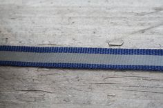 Reflecterend band blauw €0.60/M 10mm Tie Clip, Friendship Bracelets, Band, Sewing, Accessories, Jewelry, Fashion, Moda, Sash