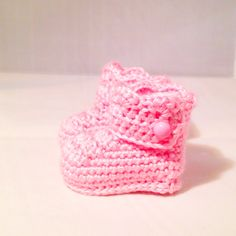 Baby Girl Boots by busyhermits on Etsy Crochet For Kids, Knit Crochet, Crochet Hats, Handmade Baby Items, Handmade Gifts, Baby Girl Boots, Knitting, Trending Outfits, Children